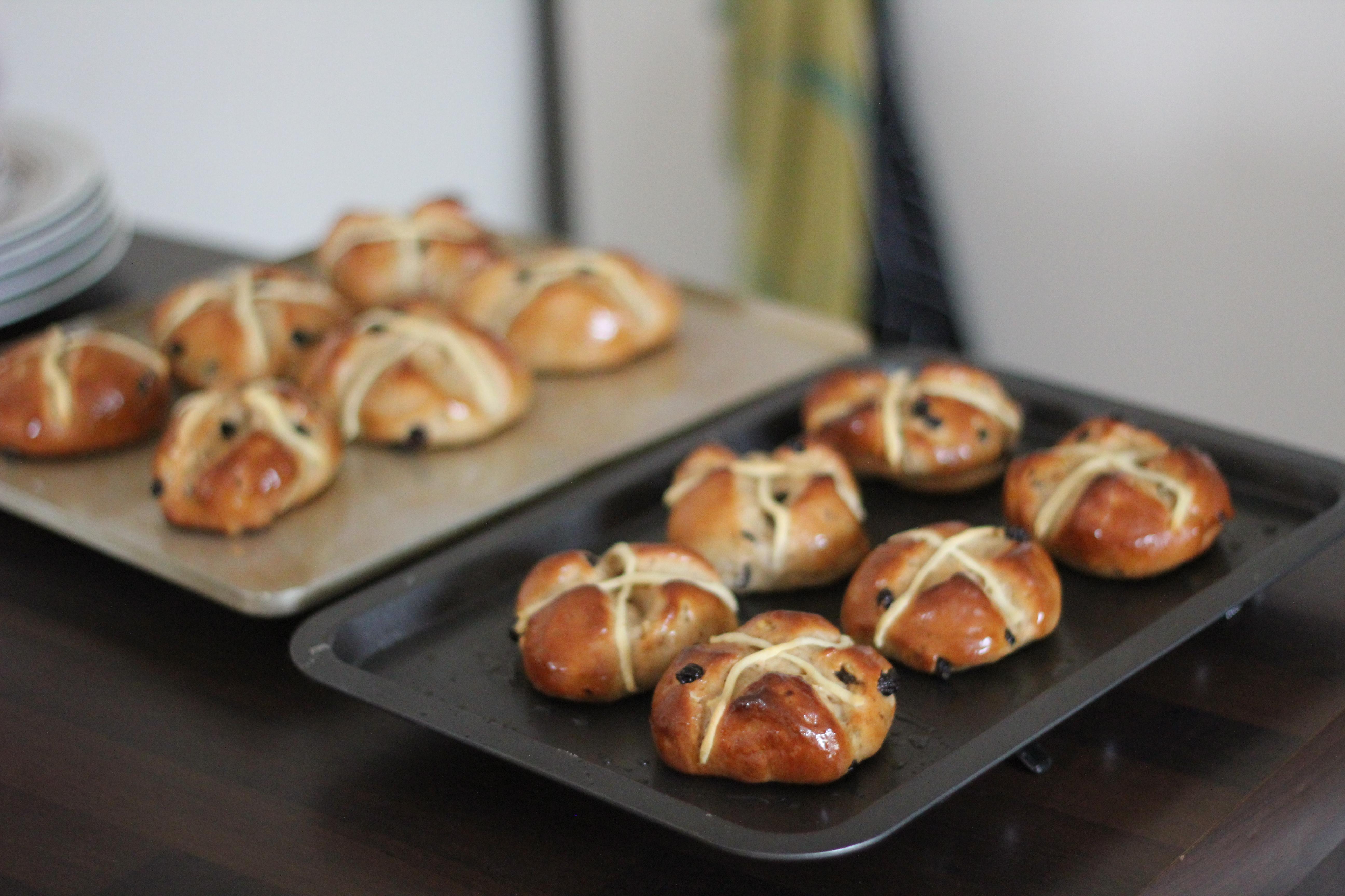 Hot cross buns de p ques a piece of nath for Entree froide facile pour paques